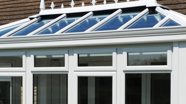 Decorative Cornice   Ultraframe Trade   Roofline